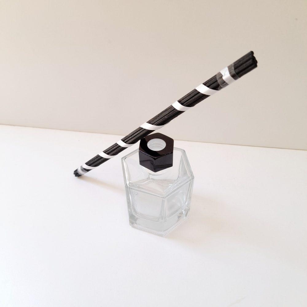 Glass diffuser - rattan sticks